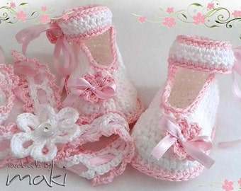 GRACE Crochet pattern baby booties with headband. Full of large pictures! Permission to sell finished items.