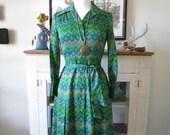 XS, S 70s dress, mod green dot print, from Japan