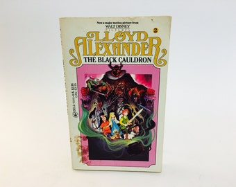 Vintage Children's Book The Black Cauldron by Lloyd Alexander 1985 Paperback Disney