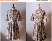 50% OFF SALE vintage 1950s novelty print shirtdress / 1950s peter pan collar dress