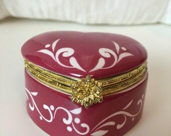 Vintage Berry 80's Heart Jewelry Box