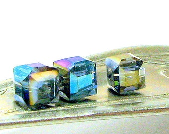Crystal Cubes 4mm London Blue AB (50)