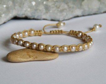 Freshwater Pearl bracelet with gold colored macrame - round beads - Tibetan style - Tribal jewelry - Handmade - One of a kind