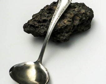 1915 Fairfield Silver Plate Ladle - Alpha Pattern