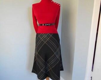 SALE VINTAGE 60s 1960s Black Green and Red Tartan Scotch PLAID A-line Skirt