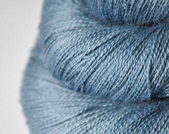 Hazy winter sky - BabyAlpaca/Silk Lace Yarn