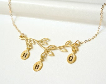 Personalized Mothers Necklace Gold,Family Tree Necklace,Initial Necklace,Branch Necklace,Grandma Necklace, Mothers Day Jewelry