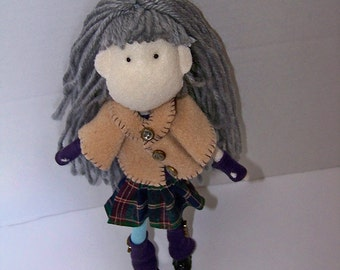 Street N Sweet - 9inch (23cm) felt doll with silver yarn hair, removable skirt, shirt and cloak