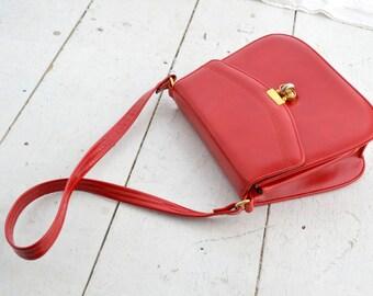 1970s Red Vinyl Shoulder Bag
