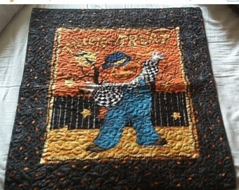 ON SALE Halloween Quilt Wall Hanging  - Trick or Treat Jack-O-Lantern Pumpkin Hand Made