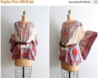 20% SALE vintage 1960s hippie dashiki top - authentic 60s dashiki / 70s boho tunic top - festival top / kimono sleeve top - angel sleeve shi