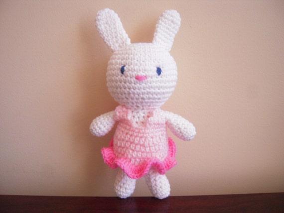 Amigurumi Bunny In Dress : Crocheted Stuffed Amigurumi White Bunny Rabbit in a Dress