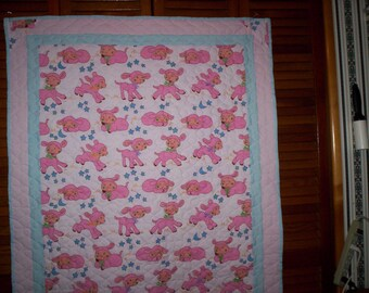 Happy Little Lamb' crib quilt