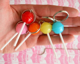 The DUM DUM LOLLIPOP Keychain...kitsch. retro. charms beads. jewelry. kitschy. big charms. fun. dessert. popsicle. summer. handmade. kawaii