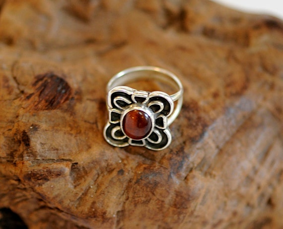 Sterling Silver 925 Artist Hand Crafted Tigers Eye Cabochon Ring .. Sz 8 (#52)