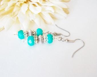 Teal Bridesmaids Earrings, Boho Bridal Dangle Earrings, Aqua Blue Glass Beaded Earrings, Teal Blue Drop Earrings, Wedding Earrings, Clip On