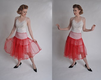 Vintage 1950s Lipstick Red Petticoat - Tulle Circle Skirt Crinoline - Wedding Lingerie Size M
