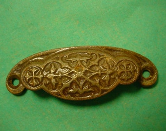 ONE Victorian Aesthetic Cast iron Drawer Pull Handle Eastlake Antique Vintage 1800s