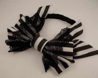 Black and White Stripe Sidebow