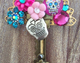 DAY of the DEAD - Sugar Skulls and Flowers  - Key BROOCH
