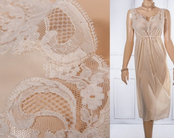Gorgeous sheer silky soft champagne nylon and delicate matching floral lace detail 1960's vintage sleeveless calf length nightgown - 3768