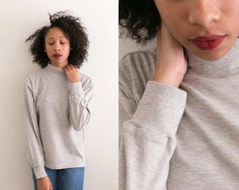 Light Heather Grey Mock Neck Sweatshirt / Womens VTG High Neck Turtleneck Long Sleeve Sweater Shirt 90s Grunge Gray Pullover Basic Neutral