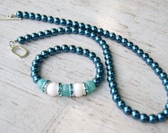 TEAL PEARL Necklace and Bracelet Set White Jade Teal Rhinestone Rhondelles