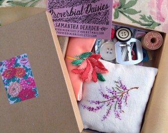S E W  V I N T A G E  H A B E R D A S H E R Y  G I F T  B O X  containing handmade needlebook and vintage sewing frippereries