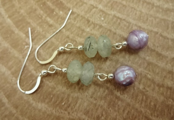 Prehnite and Lavender Freshwater Pearl Earrings