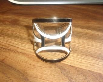 vintage bracelet cuff goldtone black white enamel