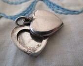 vintage sterling silver heart locket - hidden compartment
