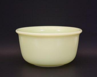 Vintage Hamilton Beach Yellow Custard Glass Mixing Bowl (E7255)