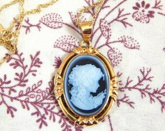 Rare Vintage Van Dell 14k Blue Cameo Necklace 1940s