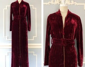 Vintage 1930s Dressing Gown --> 1930s Hostess Gown --> 1930s Silk Velvet Robe --> 1930s Robe --> 1930 Robe --> Vintage Robe  --> Velvet Gown