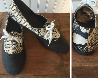 1950s Python Cotton Shoes --> Vintage Shoes --> Animal Print Shoe --> Canvas Shoes --> 1950 --> 50s Shoes --> Vintage 1950s Shoes