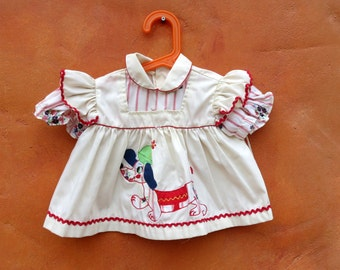 Vintage Toddler Girl's Pinafore Short sleeve Shirt. Wiener Dog Applique. Ivory Red Blue Green. Kitsch cute. 2T 18 months