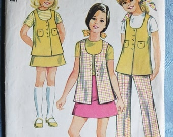 Simplicity Vintage Pattern Girls Long Vest Skirt Pants Tunic Top 1969 Sewing Pattern 8665