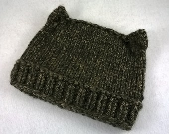 PDF Cat Hat knit pattern with ponytail opening