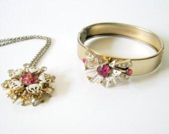 Vintage White Enamel Fuchsia Flower Necklace and Bracelet