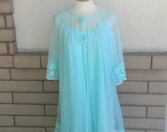 60's Aqua Chiffon and Lace Peignoir Set Size Medium