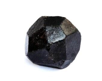 Raw Garnet Crystal Stone (18mm x 15mm x 14mm) 40cts - Rough Garnet - Pyrope Garnet - Garnet Gemstone - Healing Crystals - Energy Stones