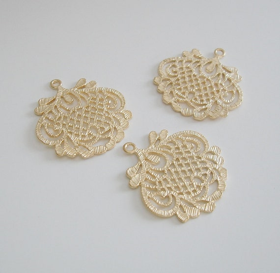 2 pcs large filigree matte gold over brass pendant findings