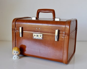Vintage Travel Vanity Train Case with Key Royal Traveller Samsonsite