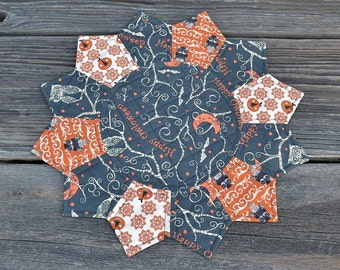 Halloween Theme Table Topper, Owls Candle Mat, Fall Autumn Dresden Plate Quilted Table Mat, Holiday Home Decor, Orange Jack o Lantern, Bats