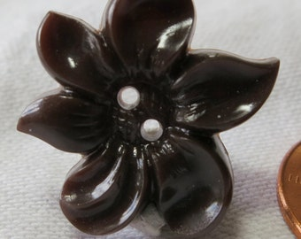 """6 Realistic shaped flower buttons. Plastic, brown, 2 hole, 1""""ins diameter, good condition, vintage, sweet, lovely for crafts. VI14.3-5.11-6."""