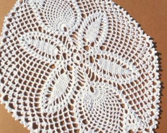 """Tulip crochet doily, lace doily, white crochet doily, 11"""""""