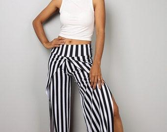 Striped pants / Black and white yoga pants / long black striped pants / Split pants : Urban Chic Collection