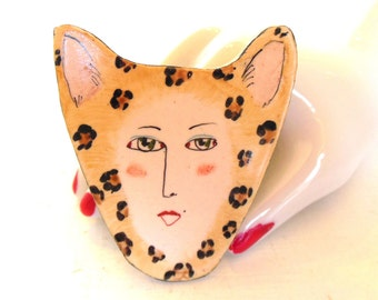 Vintage Cat Brooch Hand Painted Porcelain Woman Leopard 80s (item 27)