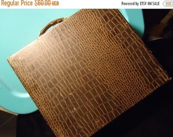 Christmas In July Sale Distressed Art Deco Faux Snakeskin Box Mid Century Collectible Home Decor Slide Case 1940s