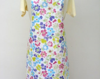 Adult Oilcloth Apron Multicoloured Sweetpea Print , PVC Apron, Waterproof Apron, Protective Apron